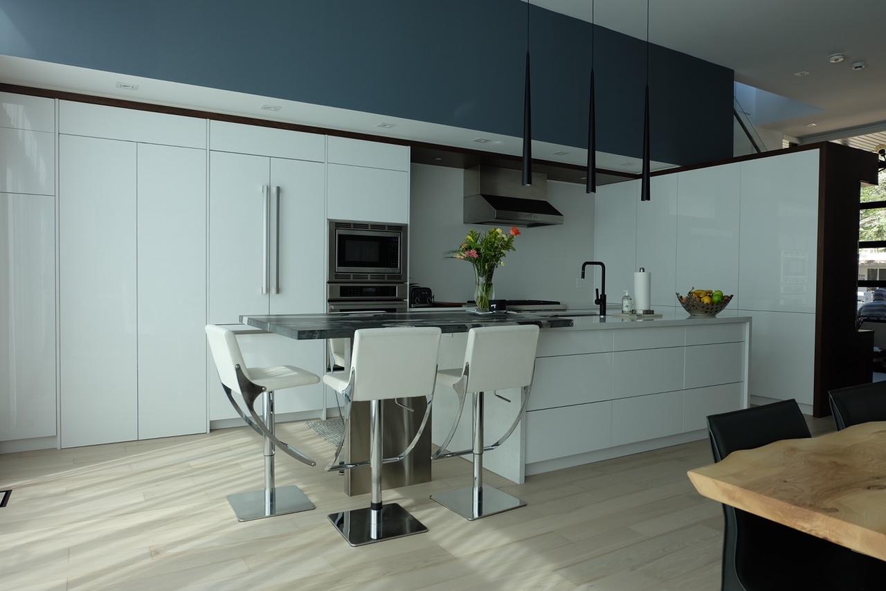 Kitchen & Bathroom Cabinets Design by Devon Cabinetry